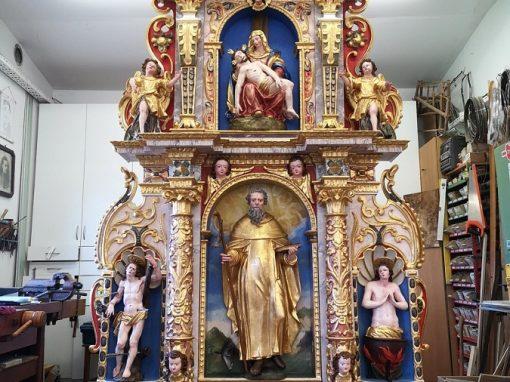 Obnova desnega stranskega oltarja v p. c. sv. Jurija v Prapročah pri Polhovem Gradcu
