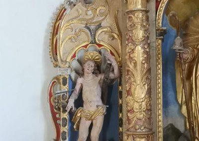 Lesena plastika sv. Sebastijana pred posegom